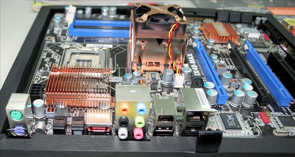 Abit IX48-MAX con chipset Intel X48 e DDR3