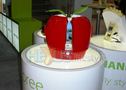 HANNspree HANNSa.red apple TV set - partly closed