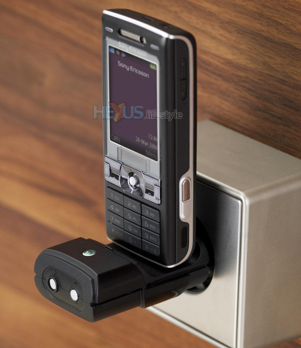 Sony Ericsson Addresses Flat Battery Need To Make Call