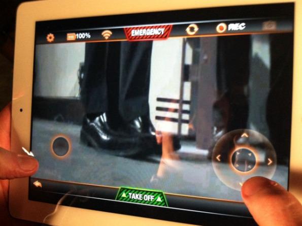 AR.Drone 2.0 iPad