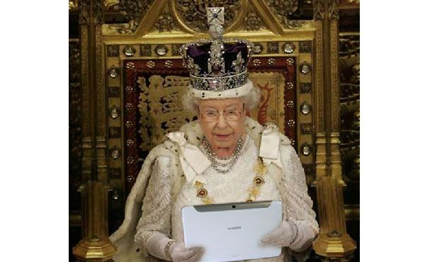 The Queen with Samsung Galaxy Note 10.1