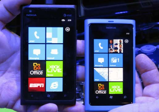 Nokia 900 compared to the Nokia 800