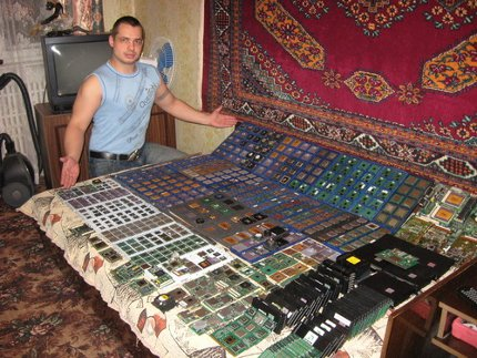 Russian Collector Shows Off Over 1 000 Cpus General Business News Hexus Net